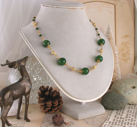 Christmas Emerald green necklace with Venetian lampwork glass beads