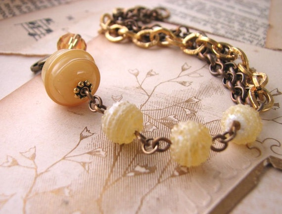 Honey Butterscotch yellow beaded bracelet with vintage lampwork and chain