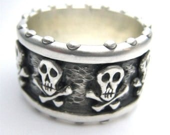 Pirate Band of Skulls Custom Band Memento Mori R024