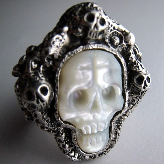 Day of the Dead Diego Rivera's Skull Ring Man or Ladies Ring SKULL is carved Mother of Pearl R029