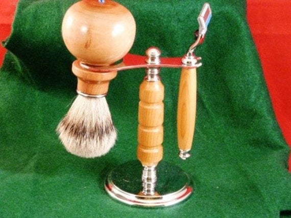 Shaving Stand with Razor & Brush