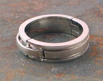 10k White Gold Hinged Ring, Flat Band, size 4-6.75