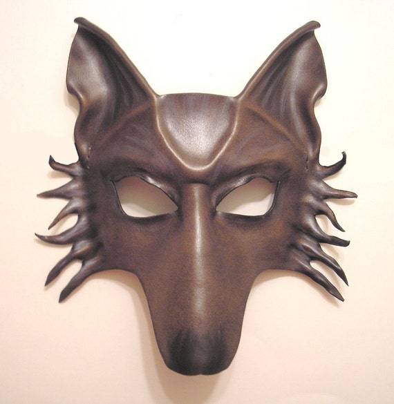 Wolf Leather Mask in Grey Brown