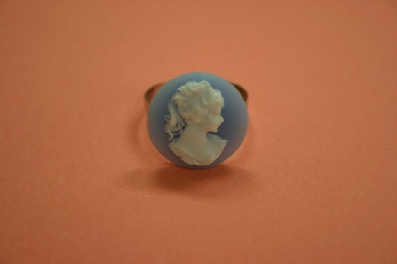 Small Round Blue Victorian Lady Ring
