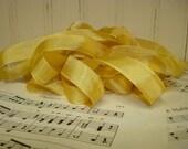 5 Yards Vintage Seam Binding - Gold