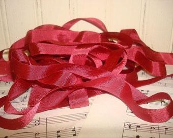 5 Yards Vintage Seam Binding - Ruby Red