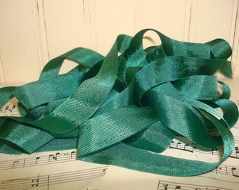 5 Yards Vintage Seam Binding - Emerald Green