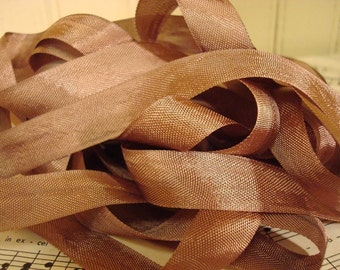 20 Yards Vintage Seam Binding - Mahogany