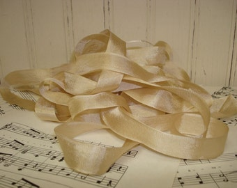 5 Yards Vintage Seam Binding - Beige