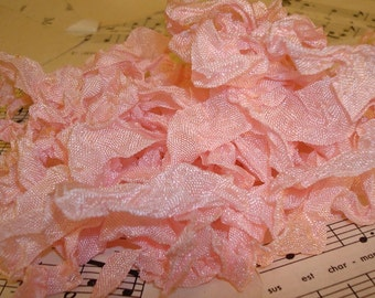 6 Yards Hand Scrunched Seam Binding - Soft Pink