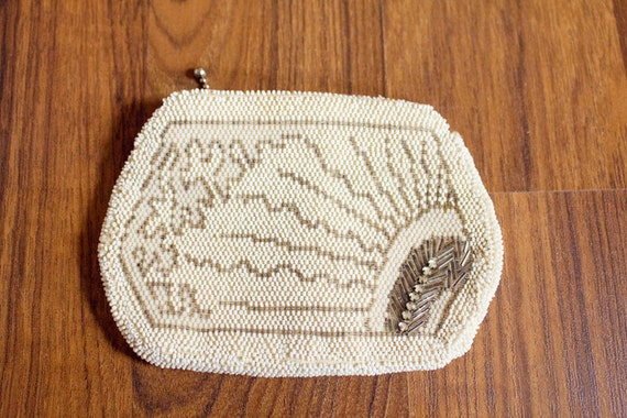 Small White Beaded Clutch Purse