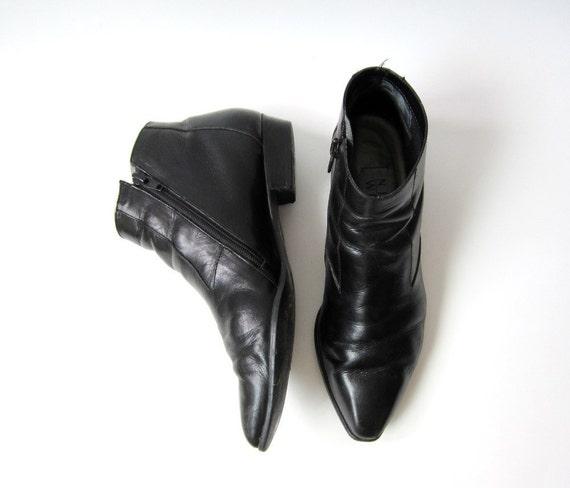 Vintage Nine West Black Chelsea Ankle Boots Size 8M