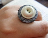 Button Ring - GREY AND CREAM -
