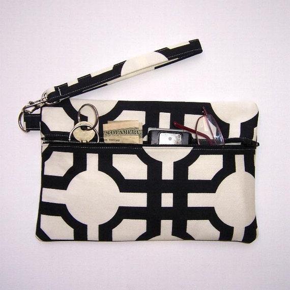 Black White Wristlet Clutch Zippered Wallet Purse