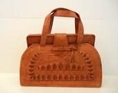 1950s purse / The Tourist Big Vintage 50's Tooled Leather Mexican Bag Tassel Lock