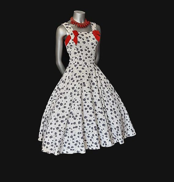 The Ultimate Darling Vintage 50's Full Circle Skirt Dress