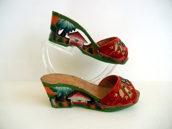 Reserved for ZombayZombay 1940s shoes / Tiki Time Vintage 40's Hand Carved Painted Wood Platform Shoes
