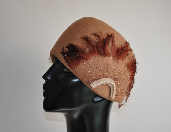 50s hat / Vintage 1950s Mr Charles Feather Spray Pearls Beaded Hat