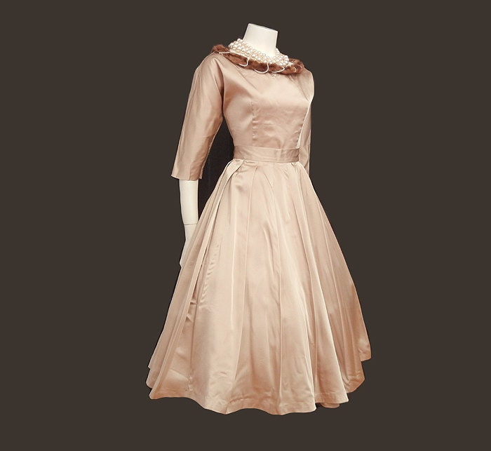 50s Full Skirt / Champagne Life Style On A By