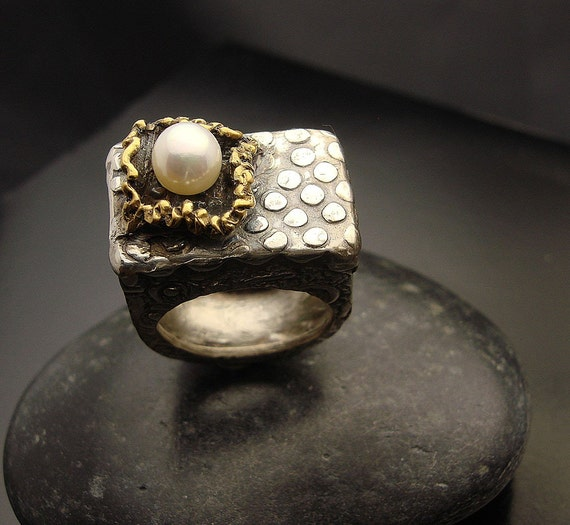 Reserved for Maria 1st InstallmentAcross the Universe - Fine silver, pearl and gold ring