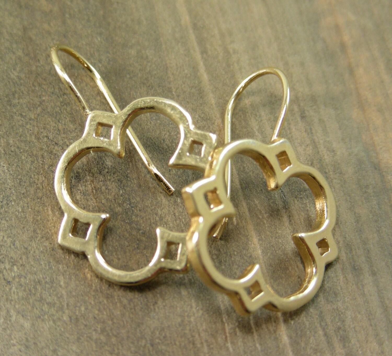 gold quatrefoil dangle earrings jewelry