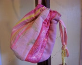 Recycled fabric drawstring petit pink sac