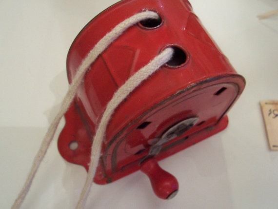 Vintage Wash Day Red Metal Retractable Clothesline authentic 1940s use to display your art work,photos,childrens art,herbs,textiles