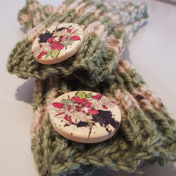 Wristwarmers with buttons - Lime & Barley Stripes