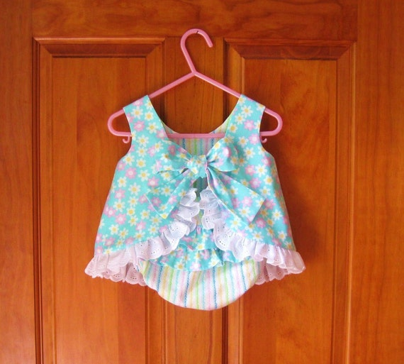 Infant Size XL 18/24 Months top & ruffled bloomer set white and pink daisies on aqua Ready to Ship