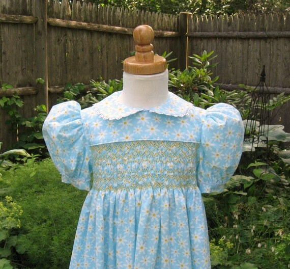 Hand smocked girl toddler dress white daisies on blue Size 3/3T ready to ship