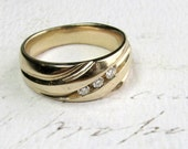 Classic Elegance. Vintage Diamond & 14K Mens Wedding Band - SALE