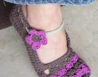 Download Now - CROCHET PATTERN Ladies Flower Petal Mary Janes Slippers - Pattern PDF