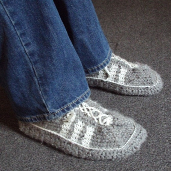 Free Crochet Pattern Tennis Shoes : Download Now CROCHET PATTERN Mens 3-Stripe Tennis Shoes