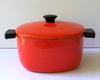 1960s cookware / vintage 60s pot / kitchen / enamel / Clementine Orange Enamel Pot