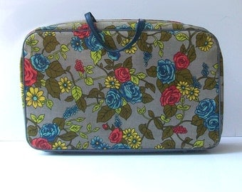 1960s mini suitcase / vintage 60s luggage / floral / Gray Garden Mini Suitcase