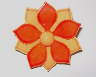 1960s vintage pin / 60s vintage brooch / enamel / Bright Orange Daisy Floral Brooch