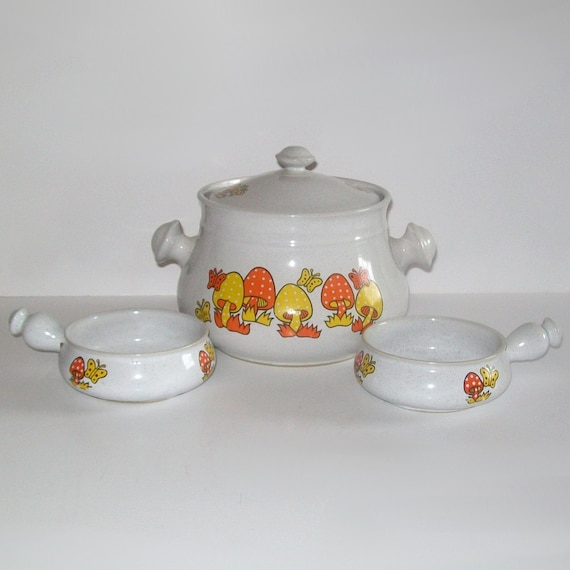 Vintage 70s FUNKY MUSHROOM Soup Tureen and Bowls
