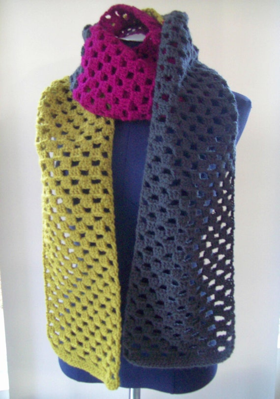 Scarf crocheted in three colors Gypsy look