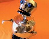REGINALD - Snack Serving Robot - Reclaim2Fame