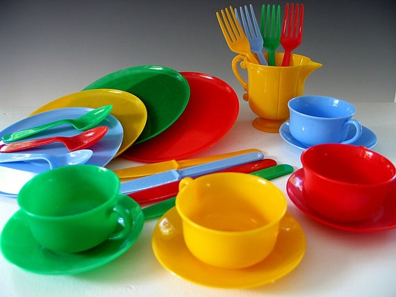 Image Gallery Toy Dishes