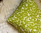 Maidenhair Fern Green: Buckwheat Travel Pillow