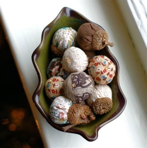 Acorn Sachets -- Lavender Filled -- Made to Order --  Set of 5