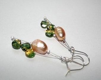 Exquisite earrings in moss green ametrine and freshwater pearl in cognac, dangle earrings, lightweight earrings
