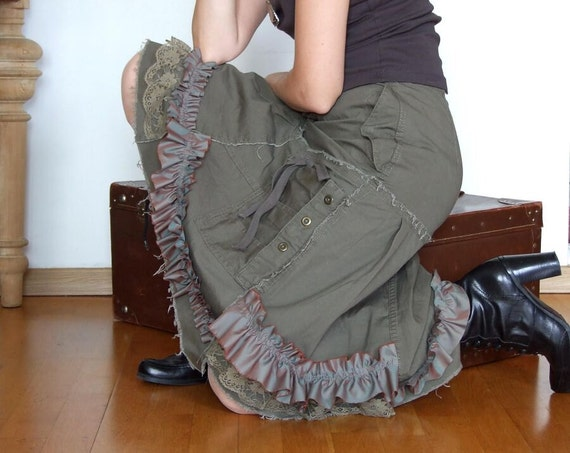 Streetwear khaki skirt with works  ruffles lace and pockets and snaps, it has it all URBAN ROMANTIC skirt