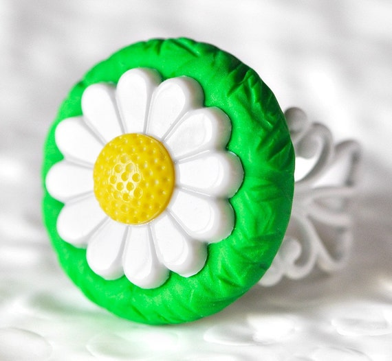 Daisy Ring Nostalgic Vintage Themed Jewelry White Filigree Adjustable Base in Grass Green Polymer Clay