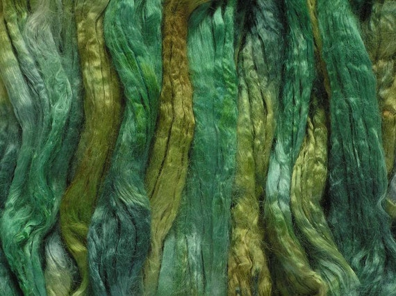 100g Space-dyed Soybean Tops - Shamrock