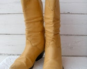 End of Year SALE 10% off Vintage Camel Leather Womens ZODIAC Boots Sz 9-9.5 Euro 40-41