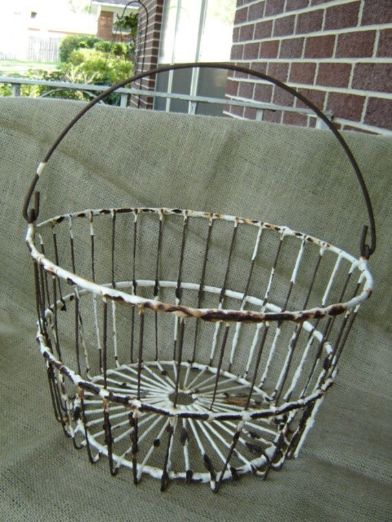 Vintage White Chippy Metal Coated Wire Egg Basket  Farmhouse Chic  CLEARANCE