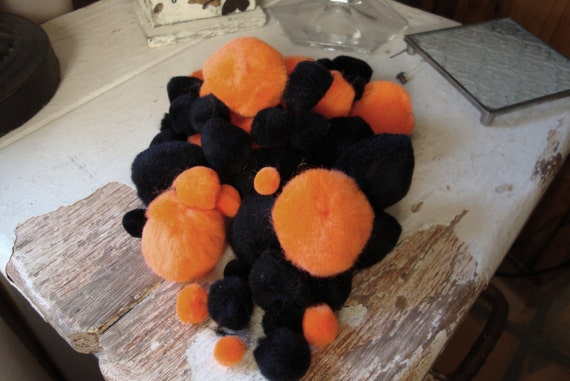 Pom poms Black and orange craft supplies trims kids crafts supplies 100 pieces various sizes for Halloween craft projects