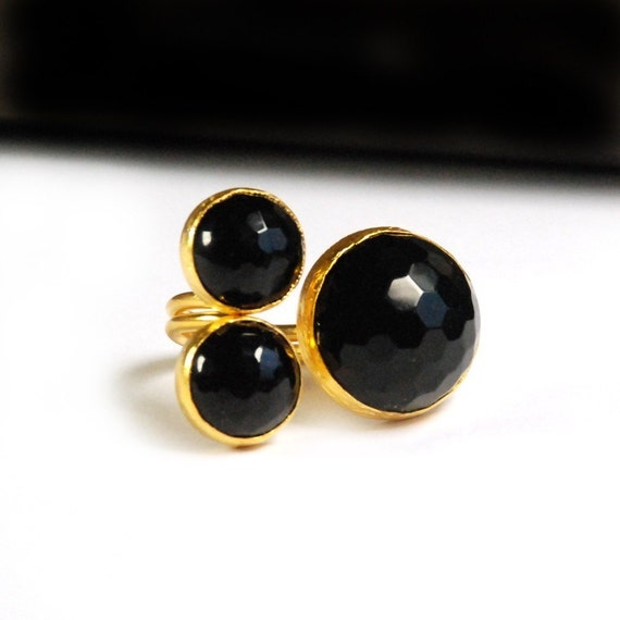 3 Black Round Onyx Stones Ring